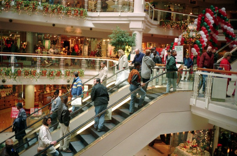 December 18, 1993--Christmas shoppers at The Gallery Inner Harbor. Story about throngs of holiday shoppers and how they can get good service. (Mark Bugnaski/Baltimore Sun)