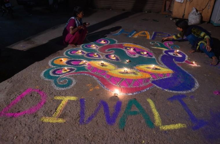 Pakistani minority Hindus celebrate Diwali in Karachi on November 11, 2015. (ASIF HASSAN/AFP/Getty Images)