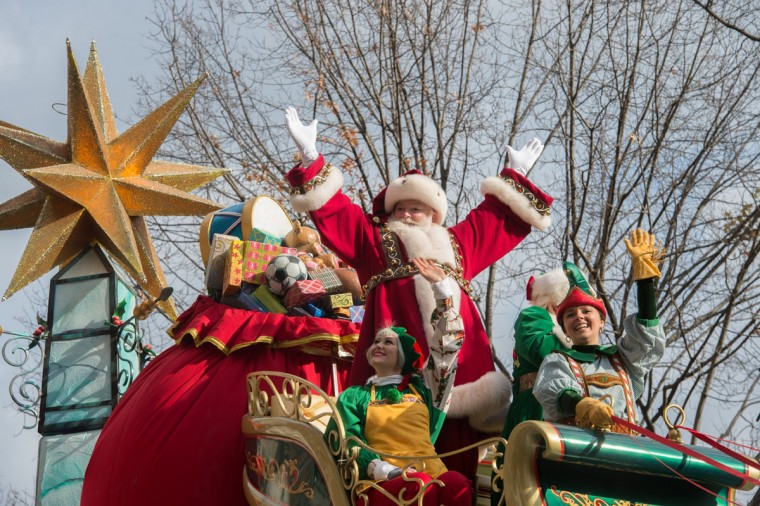 Santa Claus waves from a float during the Macy's Thanksgiving Day Parade, Thursday, Nov. 26, 2015 in New York. (AP Photo/Bryan R. Smith)