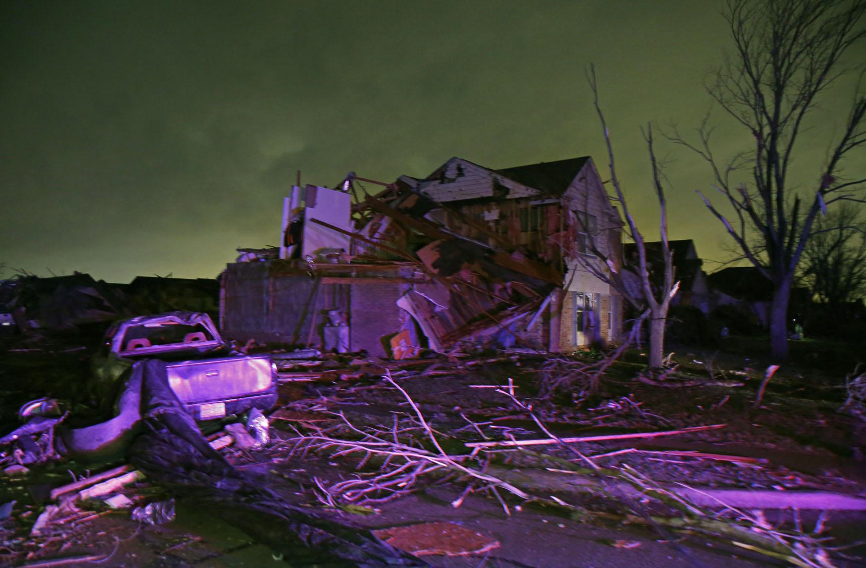 Tornadoes sweep through Texas