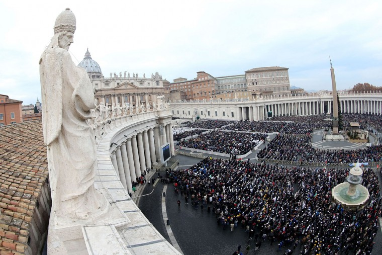 A general view of St. Peter's Square during the holy Mass and opening of the Holy Door of St. Peter's Basilica held by Pope Francis on December 8, 2015 in Vatican City, Vatican. During the solemnity of the Immaculate Conception of the Blessed Virgin Mary, Pope Francis solemnly inaugurated the Jubilee Year of Mercy with the celebration of the Holy Sacrifice of the Mass. This Extraordinary Holy Year is itself a gift of grace,' the Pope said in his homily (Photo by Franco Origlia/Getty Images)
