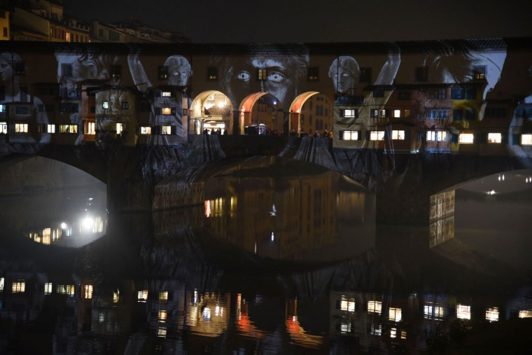 Images are projected on the Ponte Vecchio as part of the F-Light festival (Festival of light) on December 9, 2015 in Florence. (AFP Photo/Claudio Giovannini)