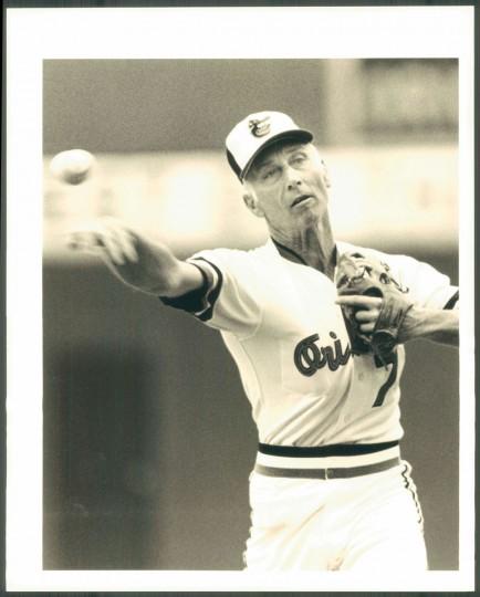 Cal Ripken Sr. throws a ball. (Baltimore Sun photo)
