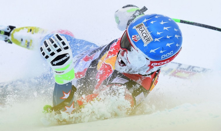 Steven Nyman from USA crashes during the Audi FIS Alpine Ski World Cup Men's Downhill on January 23, 2016 in Kitzbuehel, Austria. (CHRISTOF STACHE/AFP/Getty Images)