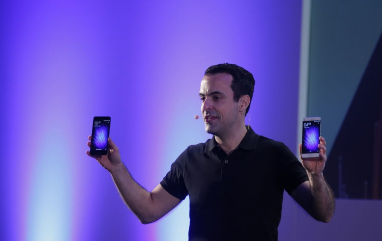 Xiaomi Vice President of International Hugo Barra presents the new Xiaomi Mi5 during the Mobile World Congress wireless show in Barcelona, Spain, Wednesday, Feb. 24, 2016. Chinese's leading smartphone maker Xiaomi has unveiled its new flagship device, the Mi 5, which it says is fast and lightweight. (AP Photo/Manu Fernandez)