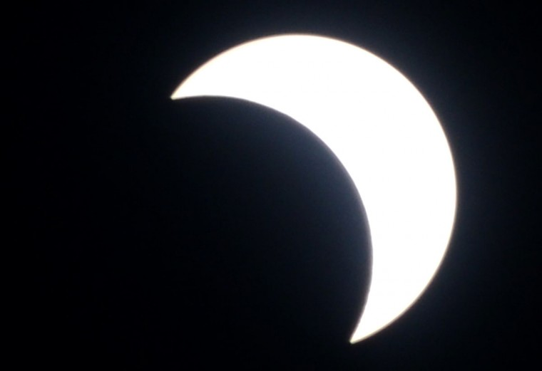 The picture shows a total solar eclipse in Jimbaran on Bali island on March 9, 2016. (SONNY TUMBELAKA/AFP/Getty Images)