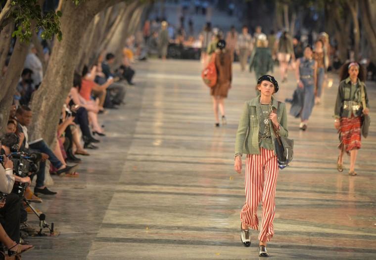 Chanel's performance at the Prado promenade in Havana, on May 3, 2016. / AFP PHOTO / ADALBERTO ROQUEADALBERTO ROQUE/AFP/Getty Images
