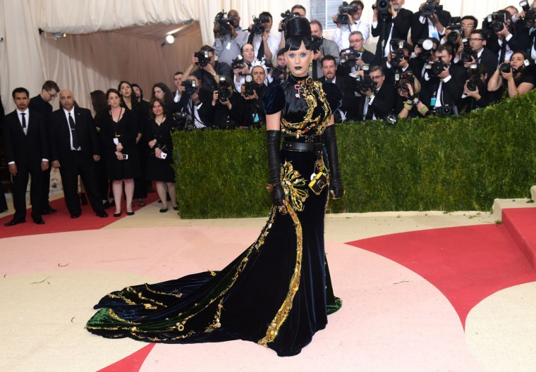 """Katy Perry arrives at The Metropolitan Museum of Art Costume Institute Benefit Gala, celebrating the opening of """"Manus x Machina: Fashion in an Age of Technology"""" on Monday, May 2, 2016, in New York. (Photo by Charles Sykes/Invision/AP)"""