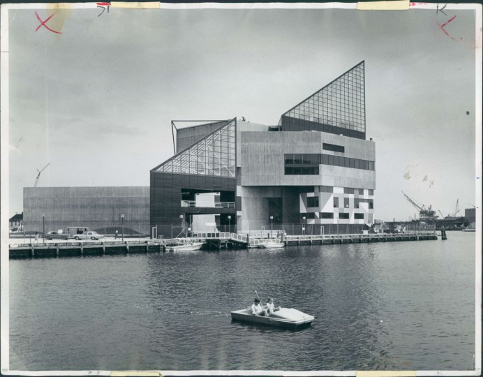 The National Aquarium seen from across the Inner Harbor, September 15, 1983. (Klender/Baltimore Sun)