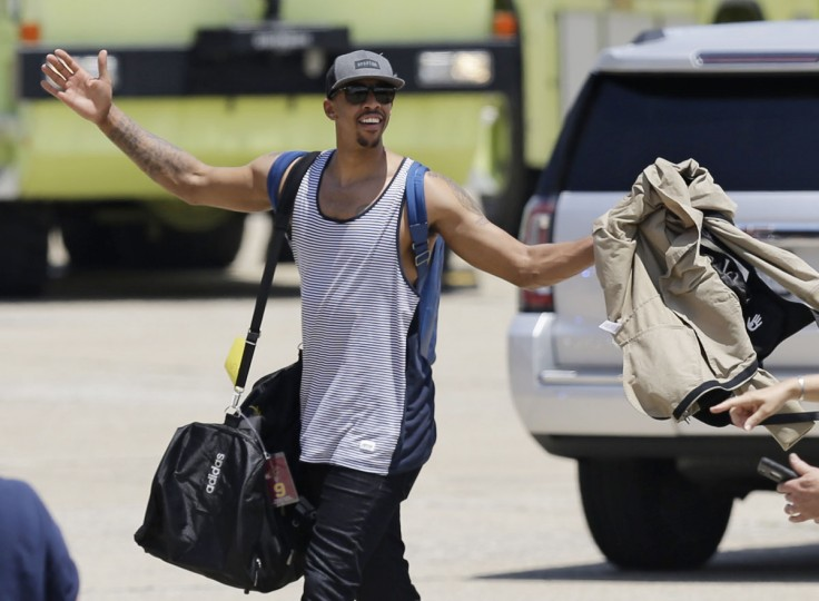 Cleveland Cavaliers' Channing Frye acknowledges the fans after arriving in Cleveland, Monday, June 20, 2016. The Cavaliers defeated Golden State in Game 7 of the NBA Finals on Sunday in Oakland, Calif. (AP Photo/Tony Dejak)