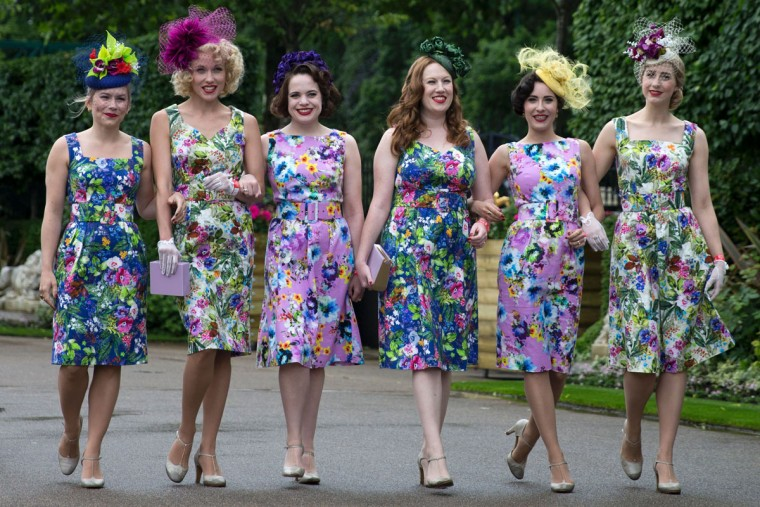 Racegoers arrive on the first day of the Royal Ascot horse racing meet, in Ascot, west of London, on June 14, 2016. (JUSTIN TALLIS/AFP/Getty Images)