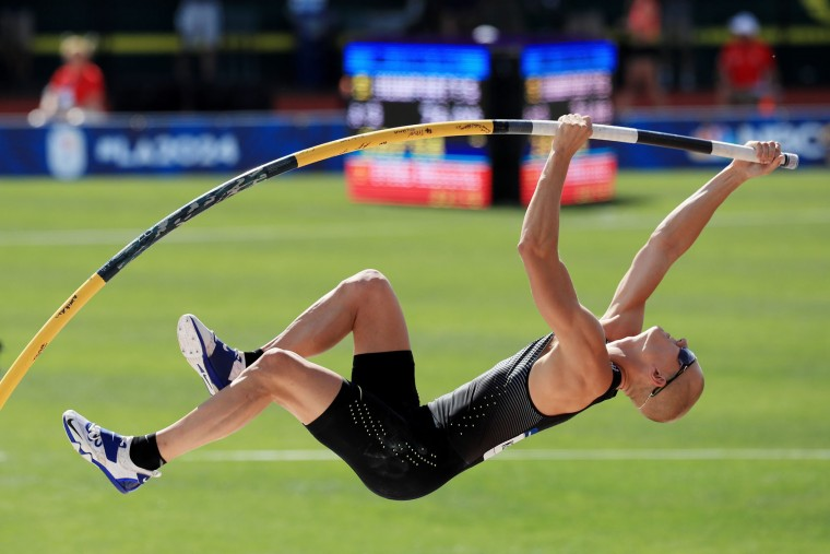 Sam Kendricks competes on his way to placing first in the Men's Pole Vault Final during the 2016 U.S. Olympic Track & Field Team Trials at Hayward Field on July 4, 2016 in Eugene, Oregon. (Photo by Cliff Hawkins/Getty Images)