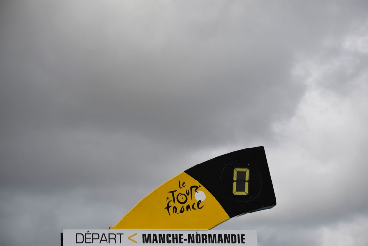 The departure mark is pictured prior to the start of the 188 km first stage of the 103rd edition of the Tour de France cycling race on July 2, 2016 between Mont-Saint-Michel and Utah Beach Sainte-Marie-du-Mont, Normandy. / (AFP Photo/Lionel Bonaventure)