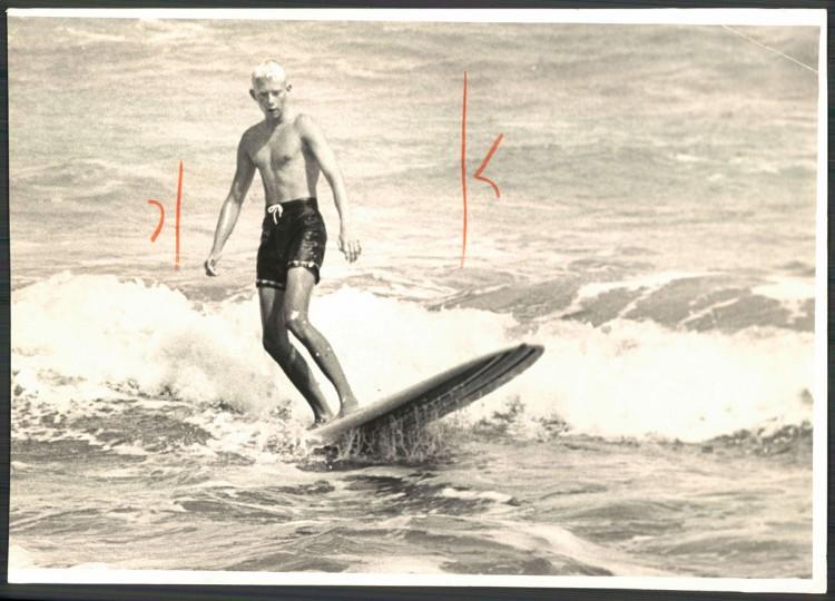 Jeff Muniford of Ocean City, MD, rides surf. September 15, 1964.(Cook/Baltimore Sun)