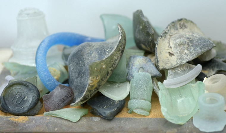 On their many scientific excursions along the cliffs, Robert and Margaret Hazen have found glass fragments from a more recent time period smoothed by the friction of the waves. (Algerina Perna/Baltimore Sun)