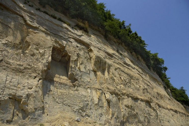 Calvert Cliffs border a 30 mile stretch along the Chesapeake Bay in Calvert County. One hundred feet high, the clay escarpment was formed 15 million years ago during the Miocene era (5 to 25 million years ago) and contains fossils of sea life from that era. (Algerina Perna/Baltimore Sun)