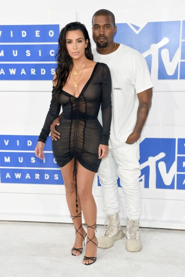 Kanye West and Kim Kardashian West attend the 2016 MTV Video Music Awards at Madison Square Garden on August 28, 2016 in New York City. (Photo by Jamie McCarthy/Getty Images)
