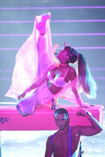 Ariana Grande performs onstage during the 2016 MTV Video Music Awards at Madison Square Garden on August 28, 2016 in New York City. (Photo by Michael Loccisano/Getty Images)