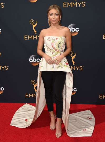 Sarah Hyland arrives at the 68th Primetime Emmy Awards at the Microsoft Theater on Sunday, Sept. 18, 2016, in Los Angeles. (Photo by Jordan Strauss/Invision/AP)