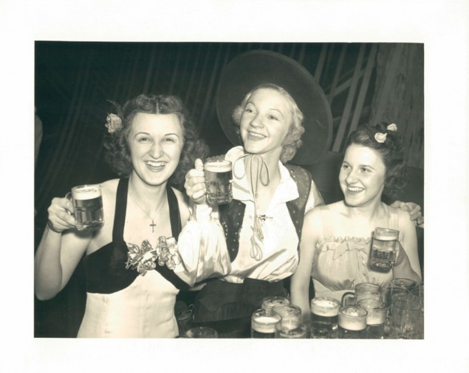 Young Czechoslovakian women in Baltimore in a photo dated March 15, 1938. (Baltimore Sun Archives)