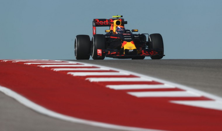 Max Verstappen of the Netherlands driving the (33) Red Bull Racing Red Bull-TAG Heuer RB12 TAG Heuer on track during practice for the United States Formula One Grand Prix at Circuit of The Americas on October 21, 2016 in Austin, United States. (Photo by Lars Baron/Getty Images)