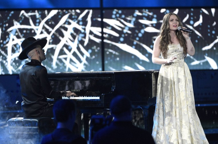 "Jesse Huerta, left, and Joy Huerta, of Jesse & Joy, perform ""Me Soltastes"" at the 17th annual Latin Grammy Awards at the T-Mobile Arena on Thursday, Nov. 17, 2016, in Las Vegas. (Photo by Chris Pizzello/Invision/AP)"