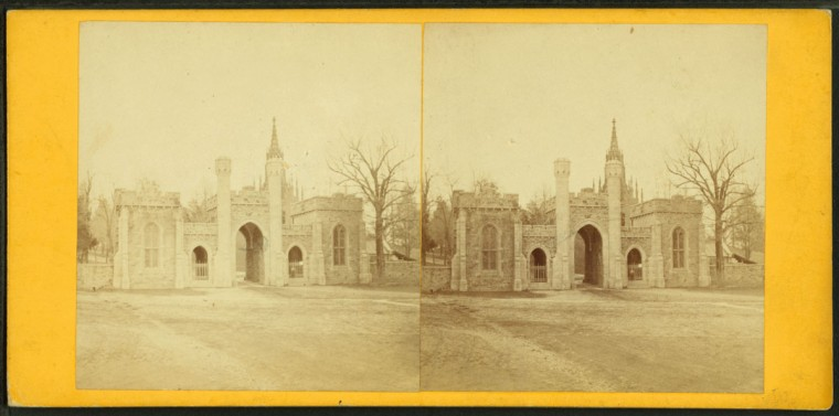 Entrance to Green Mount cemetery. (Image via New York Public Library, Miriam and Ira D. Wallach Division of Arts, Prints and Photographs: Photography Collection)