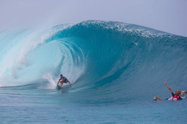 Hawaiian surfer Josh Moniz surfs a perfect barrel during the 2017 Volcom Pipe pro at Pipeline February 4, 2017, on the North shore of Oahu Island in Hawaii. (AFP PHOTO / brian bielmann)
