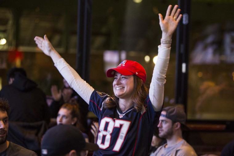 New England Patriots fans react during the fourth quarter of Super Bowl LI against the Atlanta Falcons at Tony C's, February 5, 2017 in Boston, Massachusetts. (Photo by Scott Eisen/Getty Images)