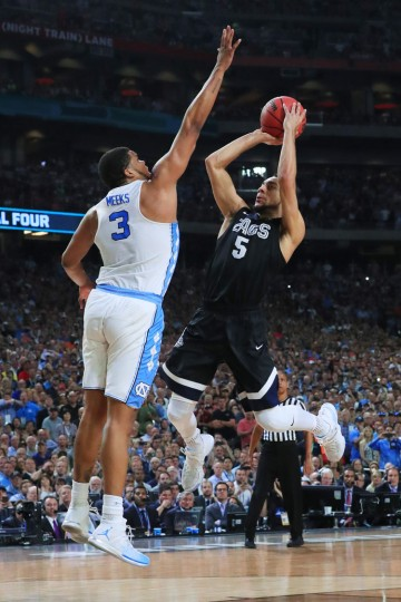 Nigel Williams-Goss #5 of the Gonzaga Bulldogs has his shot blocked by Kennedy Meeks #3 of the North Carolina Tar Heels late in the game during the 2017 NCAA Men's Final Four National Championship game at University of Phoenix Stadium on April 3, 2017 in Glendale, Arizona. (Photo by Ronald Martinez/Getty Images)