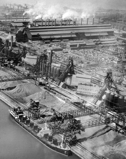 In 1970, Bethlehem Steel ranked as one of the two top producers in Baltimore, producing over 115,000 tons of annual emissions, according to the Maryland Health Department. (Baltimore Sun archives)