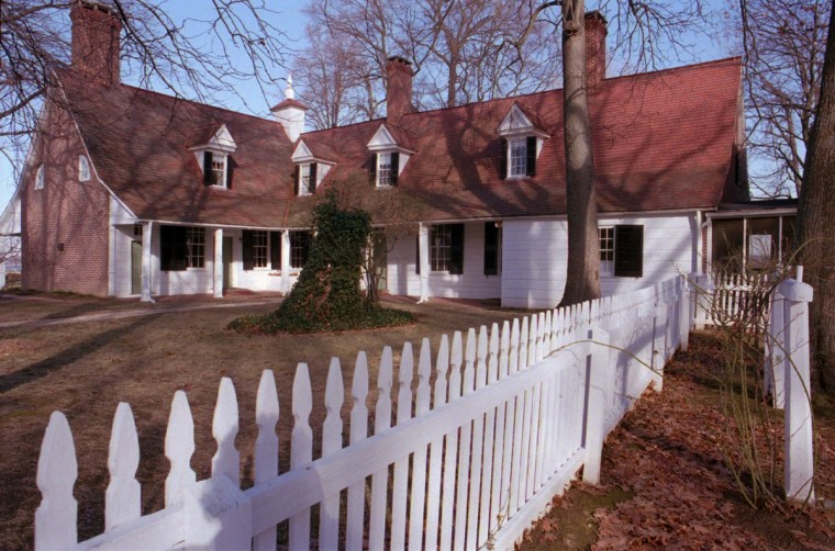 Hollywood, MD--Sotterley Plantation, dating back to 1717, is closed due to lack of funds, and needs expensive structural repairs. Sotterly Mansion exterior, views from driveway side, where people enter. 1/4/96 Photo by Amy Davis/Staff