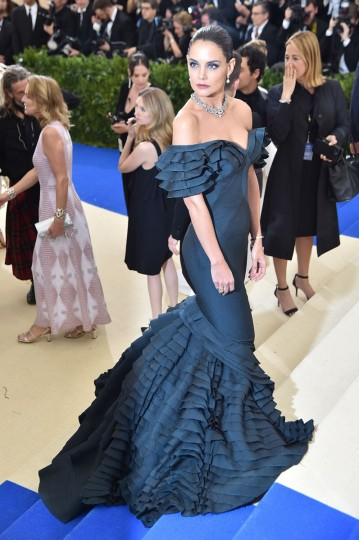 """NEW YORK, NY - MAY 01: Katie Holmes attends the """"Rei Kawakubo/Comme des Garcons: Art Of The In-Between"""" Costume Institute Gala at Metropolitan Museum of Art on May 1, 2017 in New York City. (Photo by Theo Wargo/Getty Images For US Weekly)"""
