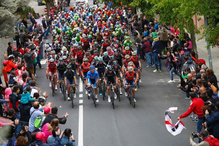 The peloton rides during the second stage of the 100th Giro d'Italia, Tour of Italy, from Olbia to Tortoli on May 6, 2017 in Sardinia. (Luk Benies/AFP/Getty Images)