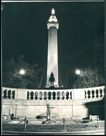 A view of the Washington Monument on in November 1940. (Baltimore Sun photo)