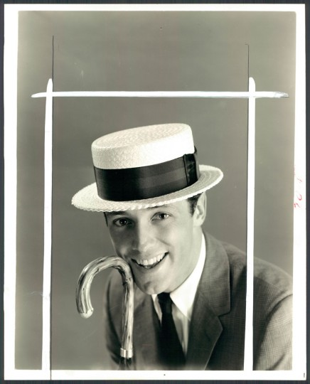 A man models a boater hat in photo dated May 1964. (Baltimore Sun archives)