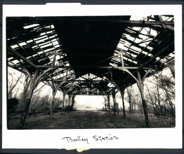 1987 photo of the dilapidated trolly pavilion, where scores of Baltimoreans once unloaded in order to spend the day at Bay Shore amusement park. (Baltimore Sun archives)