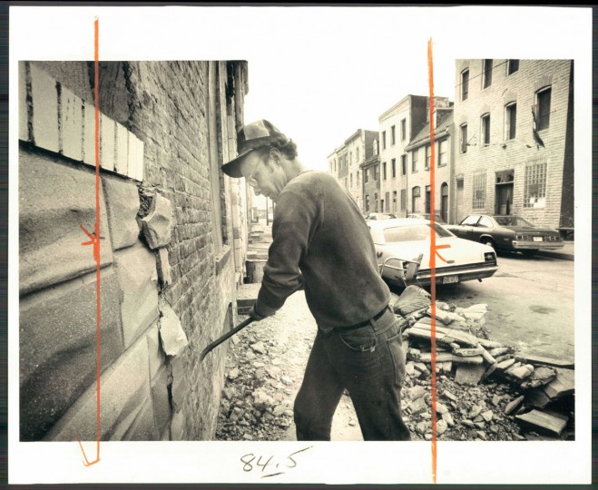 As early as 1978, when this photo was taken, Baltimoreans were beginning to remove the formstone exterior from their homes. (Baltimore Sun archives)