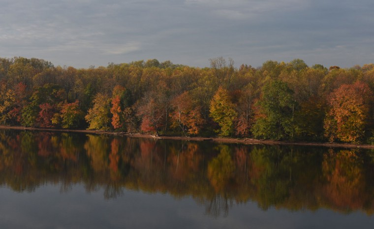 Fall colors are on display at Loch Raven Reservoir. (Barbara Haddock Taylor/Baltimore Sun)