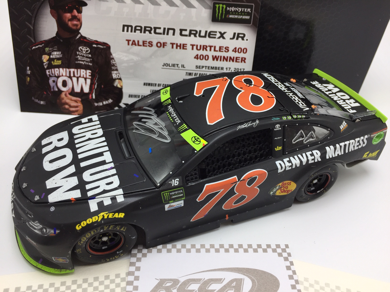 MARTIN TRUEX JR. 2017 FURNITURE ROW CHICAGOLAND RACED WIN 1:24 ELITE AUTOGRAPHED DIECAST