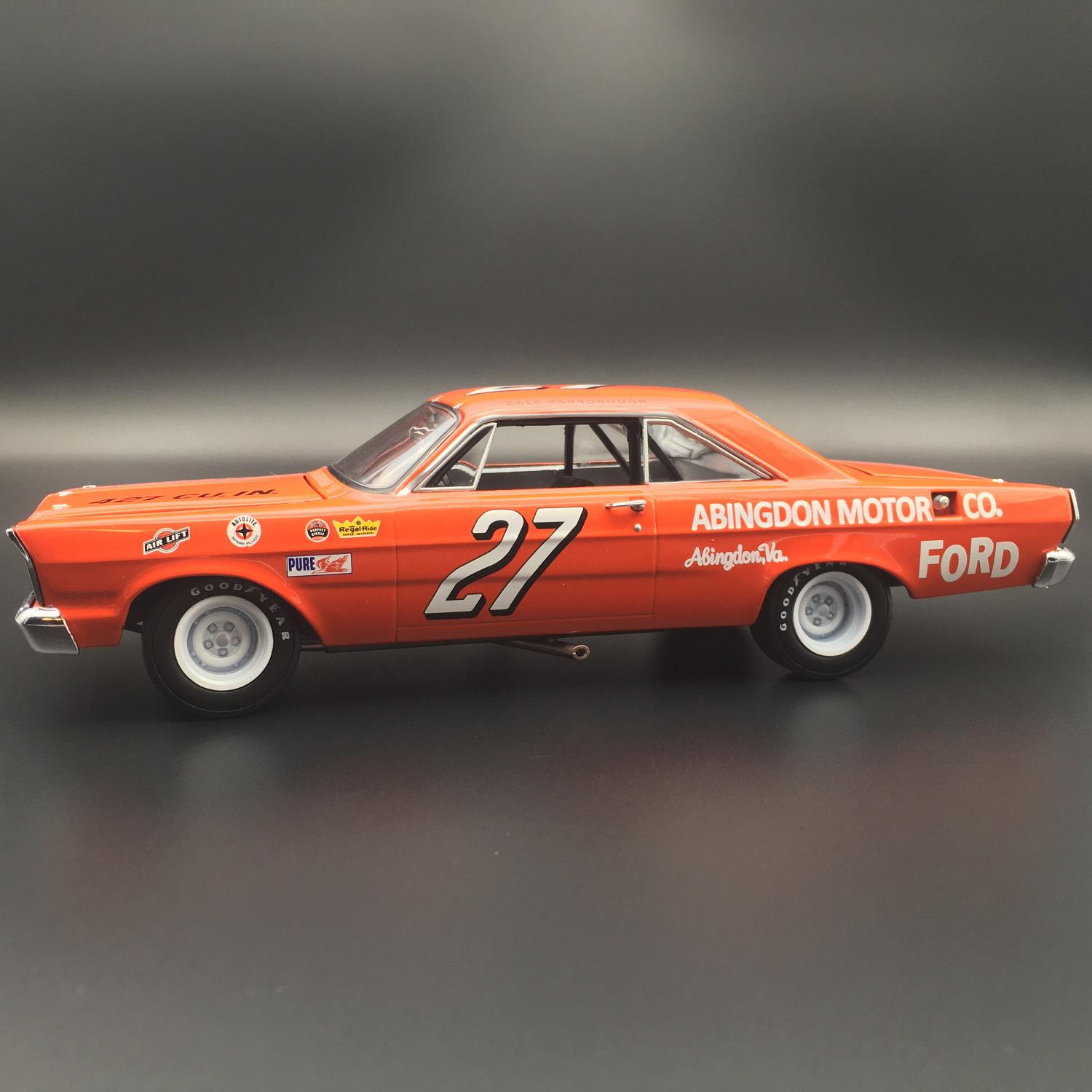 Cale Yarborough 1965 Abingdon Motor Co Ford Galaxie Signed 1:24 University Of Racing Diecast