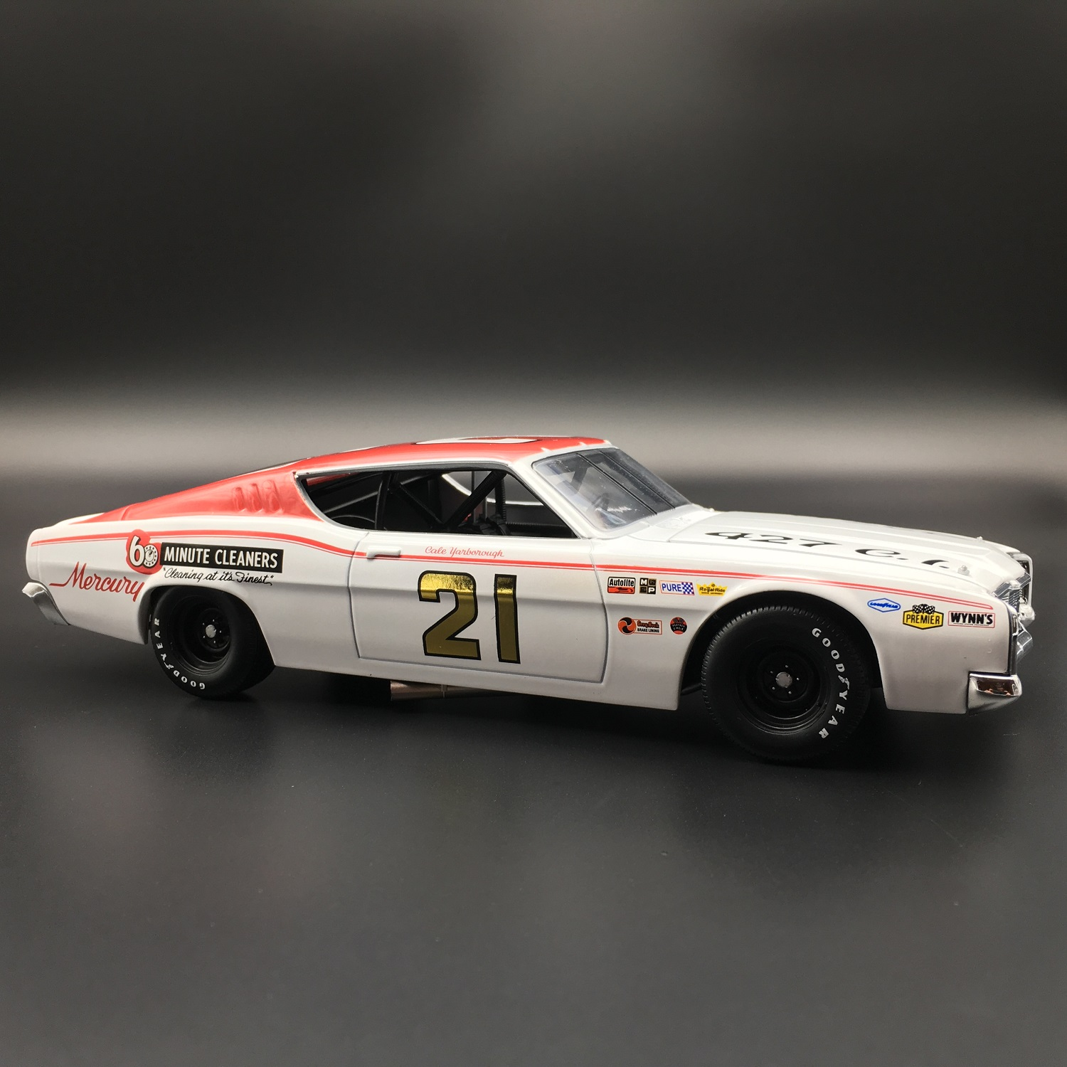 Cale Yarborough 1968 60 Minute Cleaners Mercury Cyclone Signed 1:24 University Of Racing Diecast