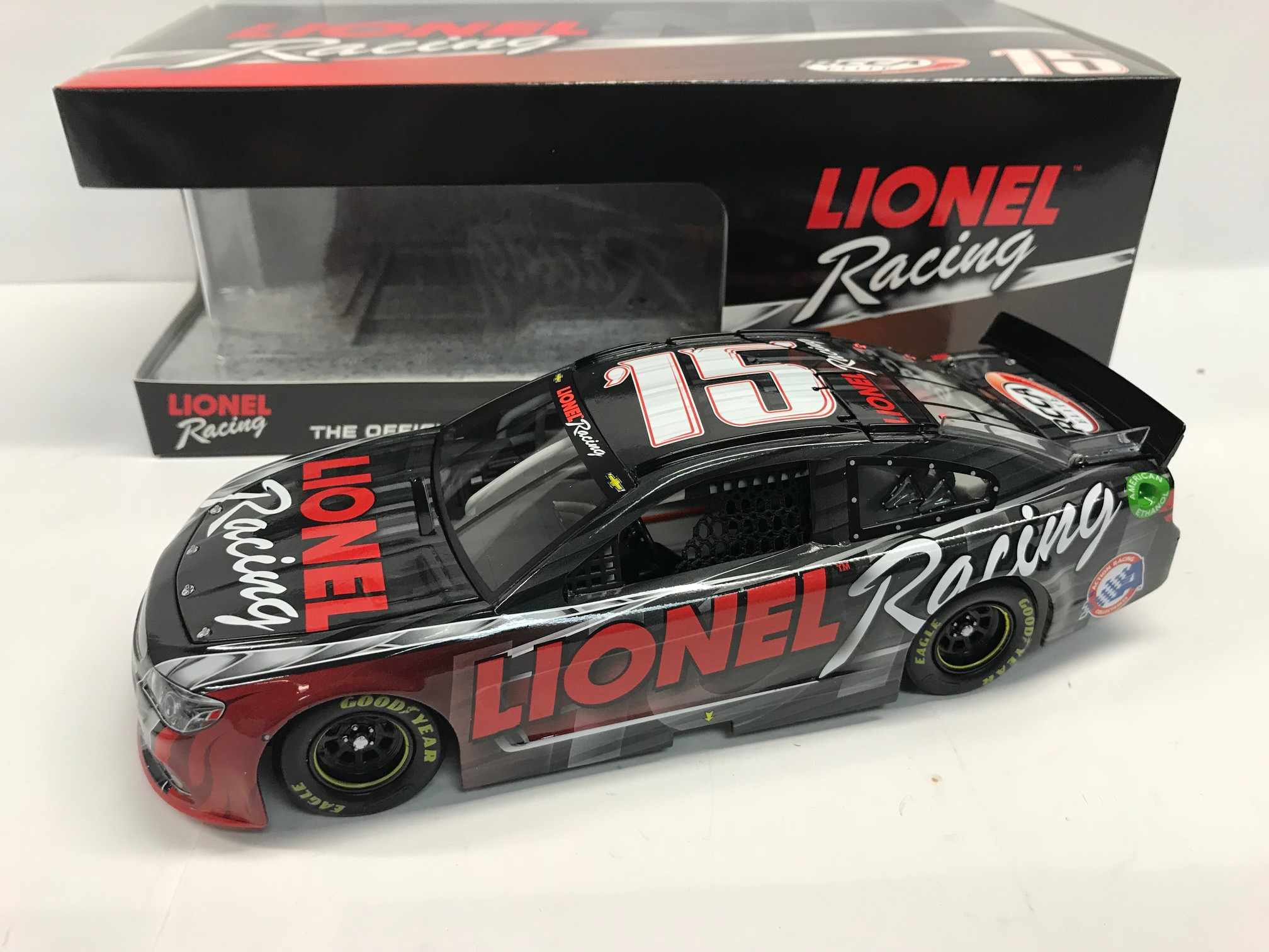 LIONEL RACING 2015 ANNOUNCEMENT 1:24-SCALE DIECAST