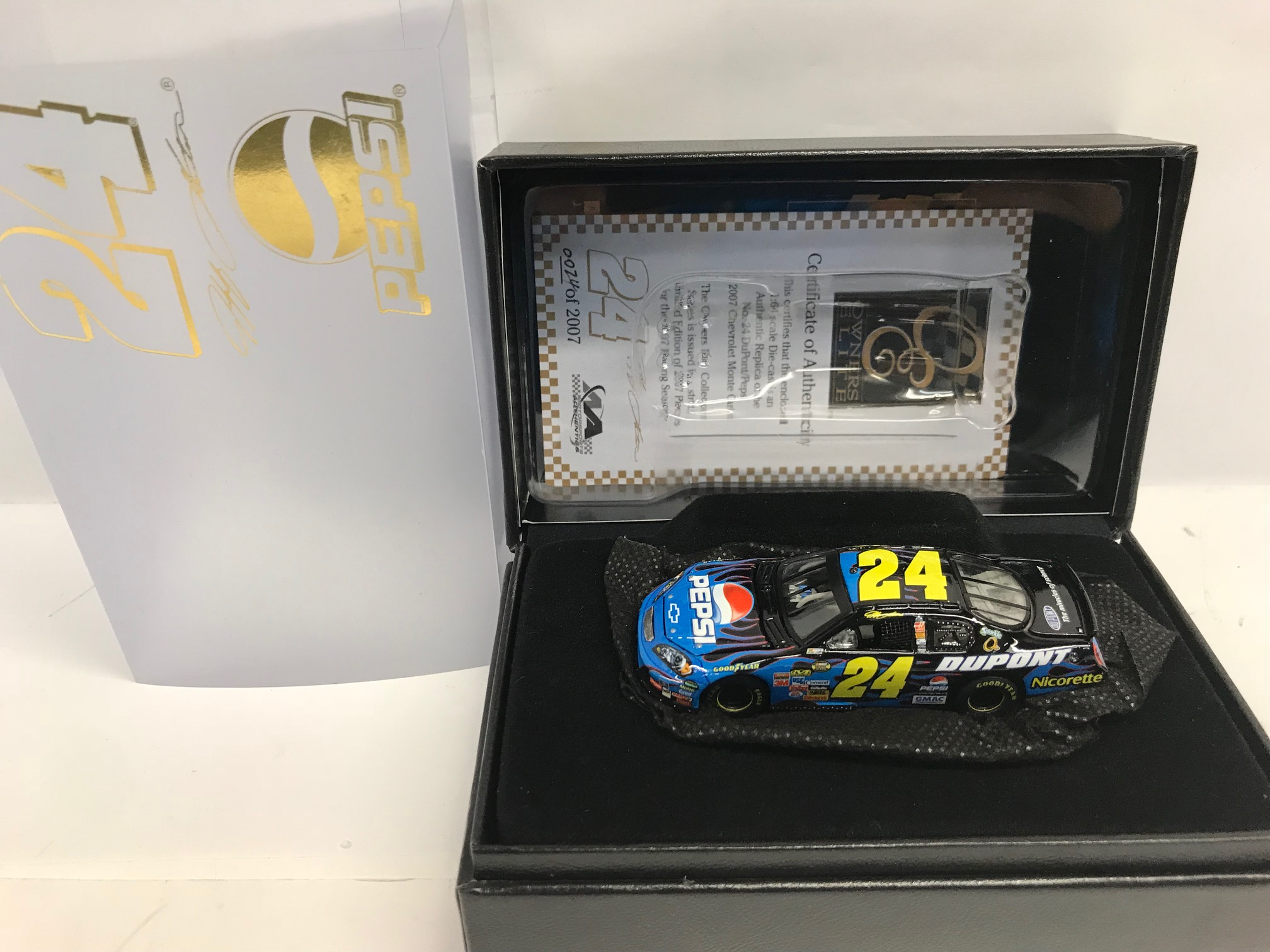 JEFF GORDON 2007 PEPSI OWNERS ELITE 1:64 DIN #24 DIECAST!