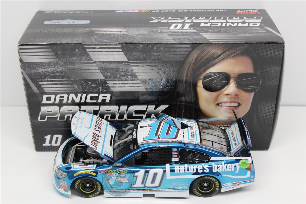 2016 Danica Patrick HOTO Color Chrome Nature's Bakery