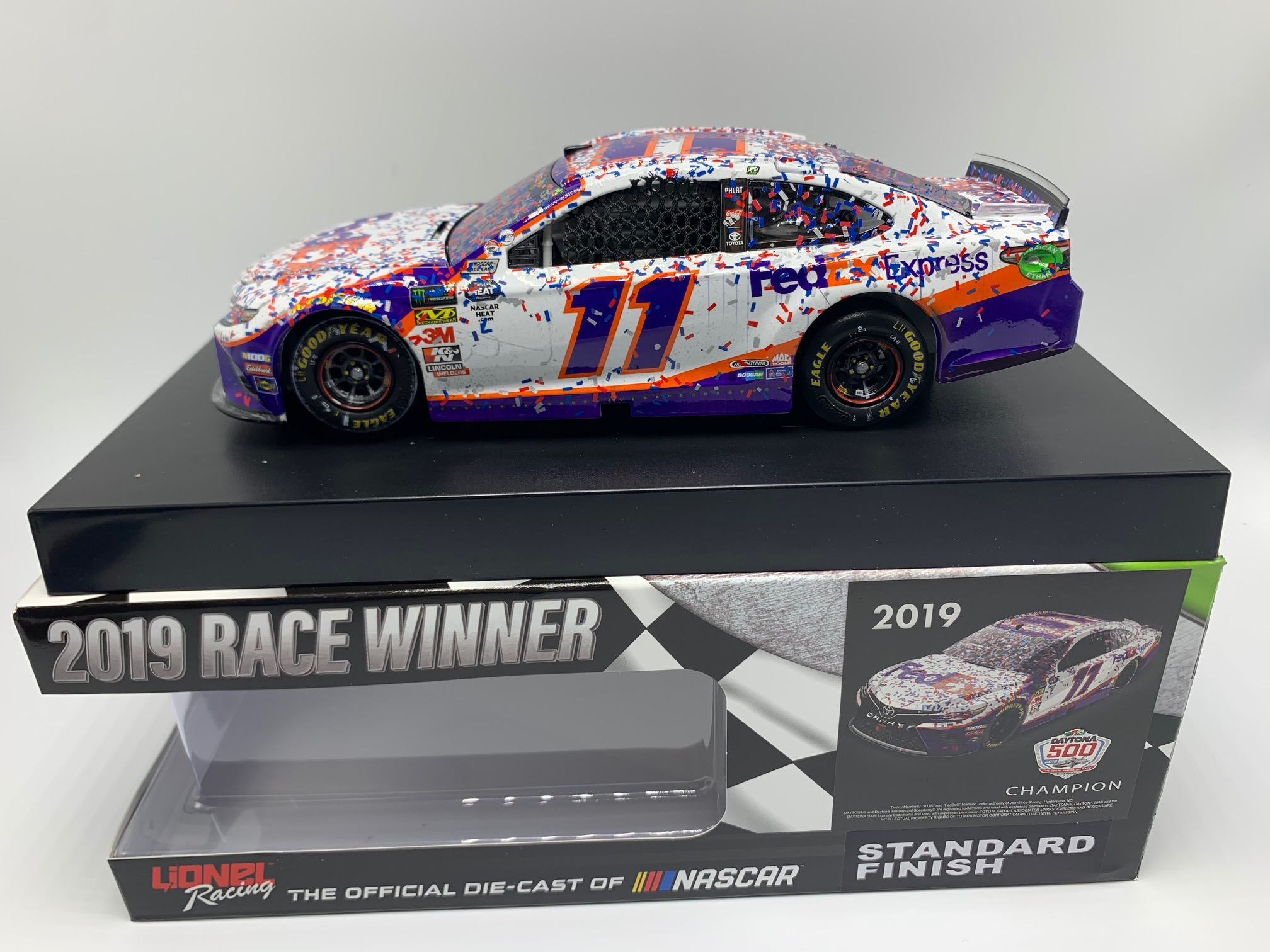 DENNY HAMLIN 2019 FEDEX EXPRESS DAYTONA 500 RACED WIN 1:24 ARC DIECAST - DIN # 1