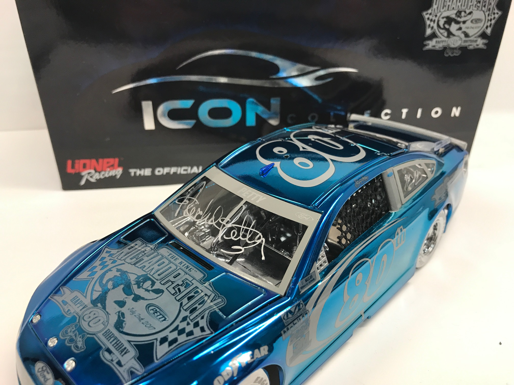 RICHARD PETTY 80TH BIRTHDAY 1:24 ELITE COLOR CHROME ICON DIECAST- AUTOGRAPHED