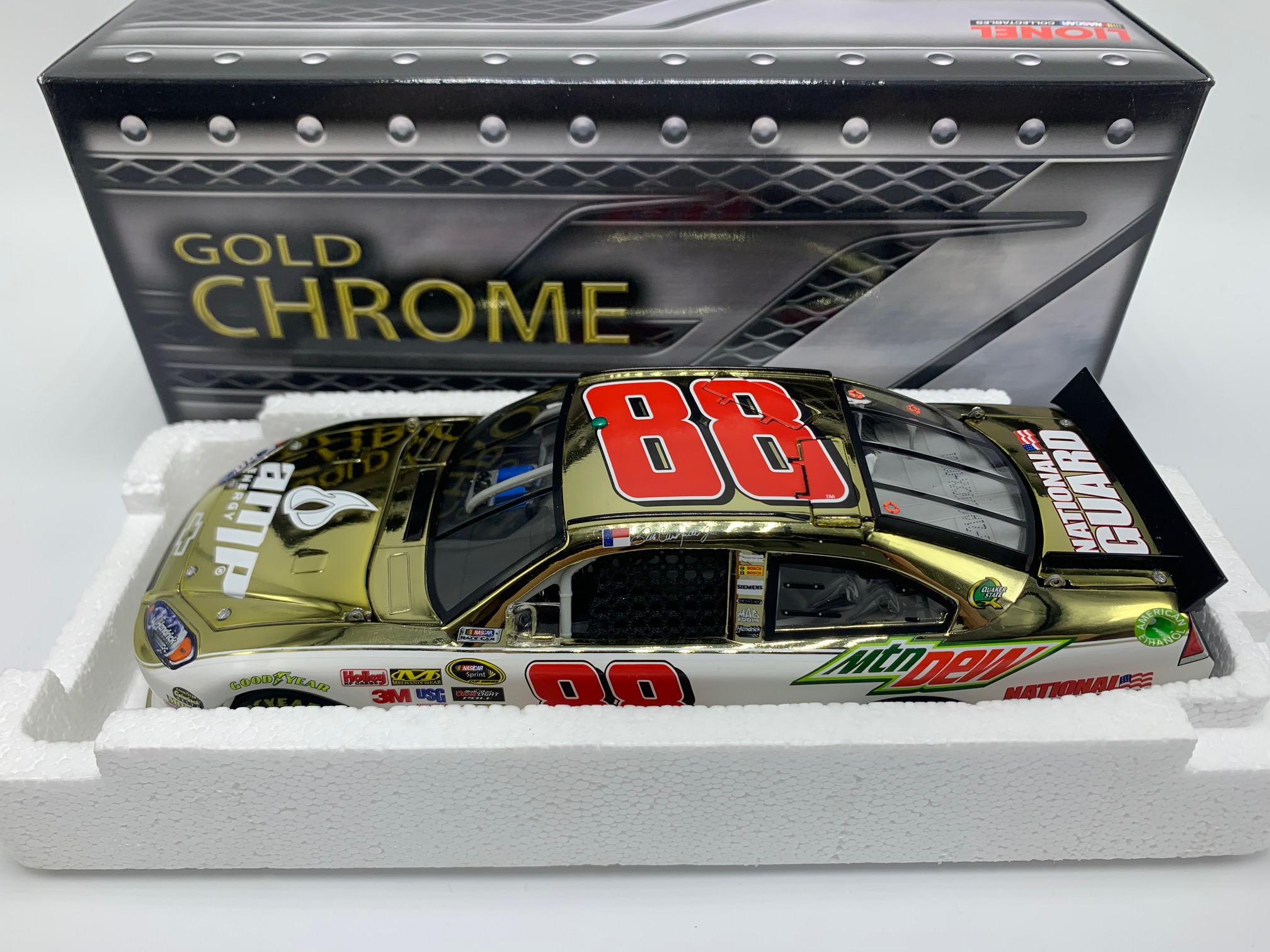 DALE EARNHARDT JR 2011 AMP ENERGY/NATIONAL GUARD 1:24 GOLD CHROME ARC DIECAST - DIN # 1