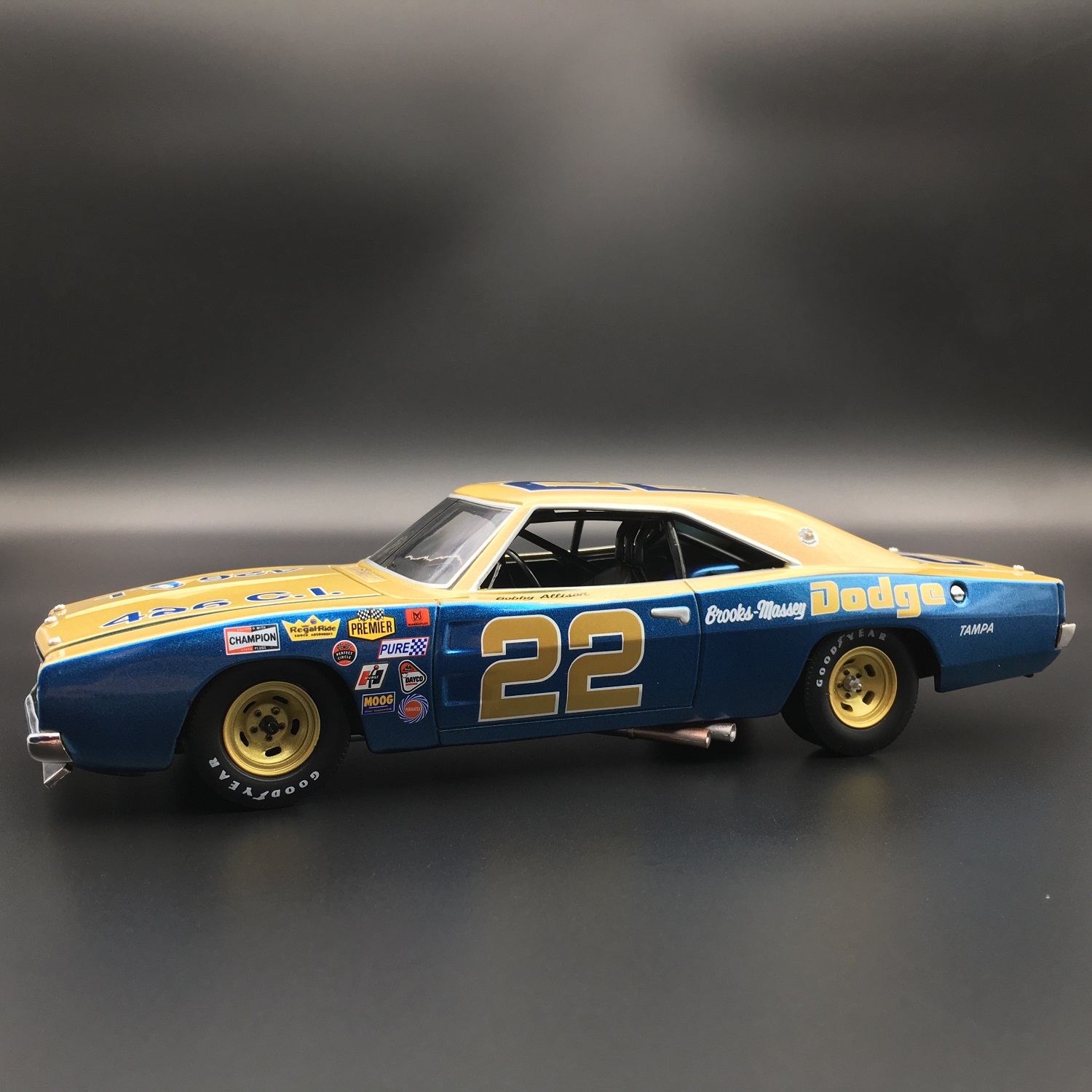 Bobby Allison 1969 Dodge Charger 500 1:24 University Of Racing Diecast