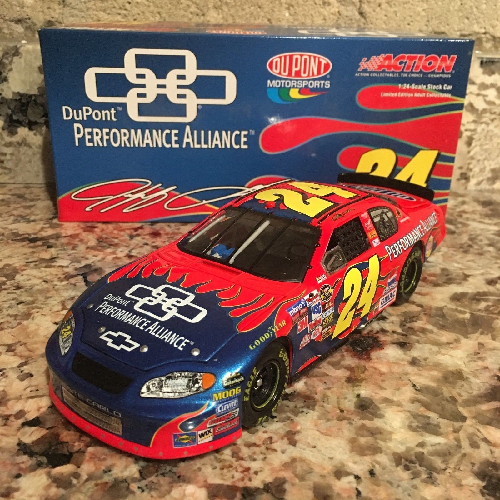 Jeff Gordon No. 24 DuPont/Performance Alliance 2005 Monte Carlo 1:24 Die Cast Car